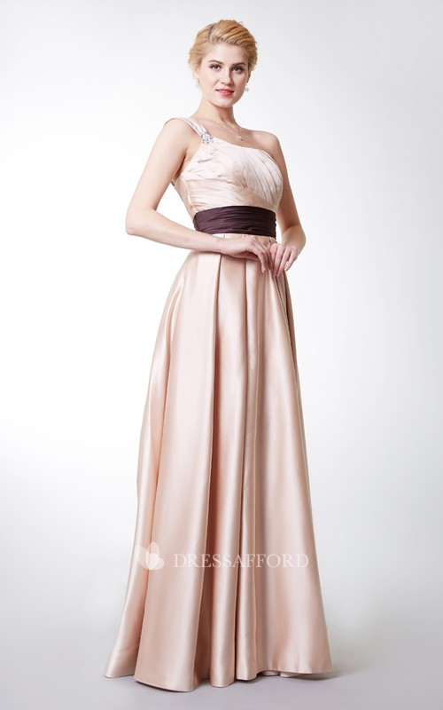 Pleated Contrast Waistband Diagonal Shimmering Gown