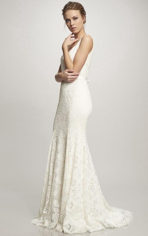 Spaghetti Lace V-neck Sleeveless Wedding Dress With Sweep Train