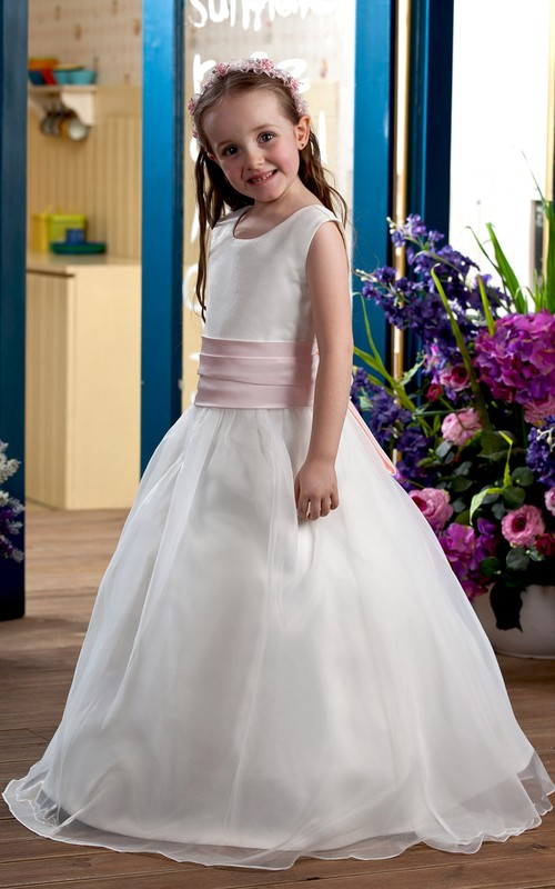 A-Line Silhouette Sleeveless Sweet Flower Girl Dress