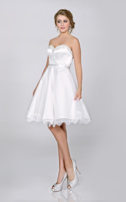 Sweetheart A-line Satin short Dress With Beading And Lace