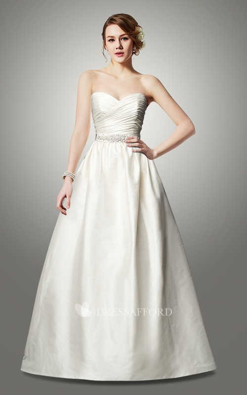 Sweetheart Criss-cross ruched Satin A-line Wedding Dress With Beading And bow