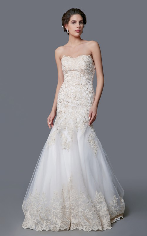Sweetheart Mermaid Tulle Appliqued Wedding Dress With Court Train