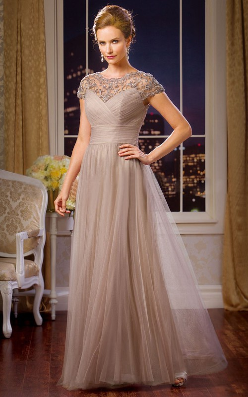 Scoop-neck Short Sleeve Tulle Mother of the Bride Dress With Ruching And Lace