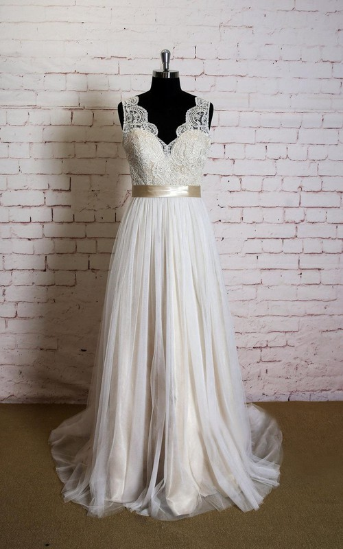 Wedding Champagne Lining Sleeveless V-Neckline Gown